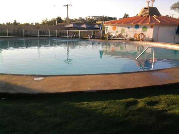 Foto piscina climatizada de construcciones de piscinas y for Precio piscina climatizada