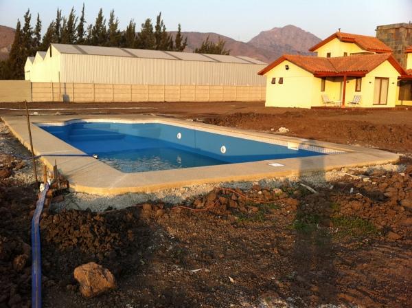 Foto piscina llay llay de construcci n de piscinas en for Construccion piscinas chile
