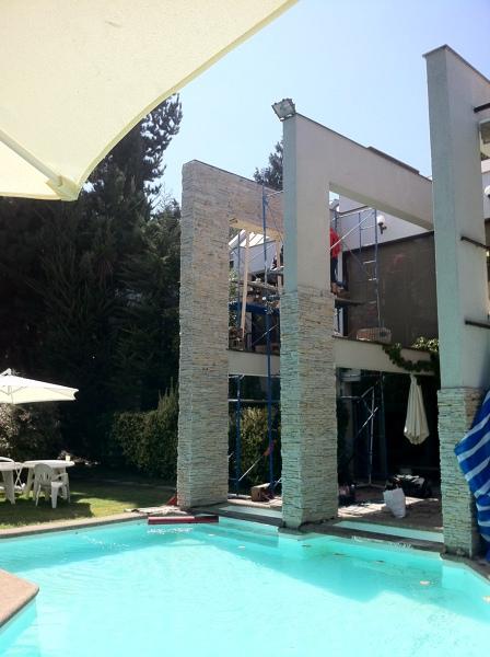 Foto remodelacion casa sauma 390 m2 fachadas exteriores for Remodelacion de casas pequenas fotos