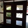 Puertas de acceso a torres de departamentos