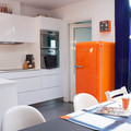 cocina-moderna-naranja-azul