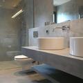 suelo baño de microcemento