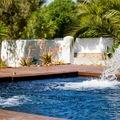 Fuentes en piscina