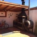 Cobertizo con Quincho techado y Horno.