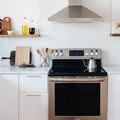 cocina con frente blanco
