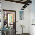 cocina con pared azul