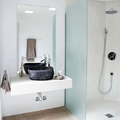 ducha de obra en blanco
