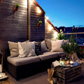 terraza con guirnalda