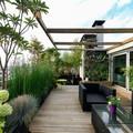 terraza con tarima de madera