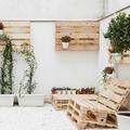 Terraza con muebles de pallets