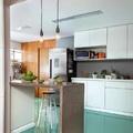 Cocina con piso de resina verde