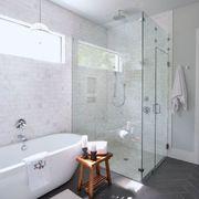Baño con estilo clásico