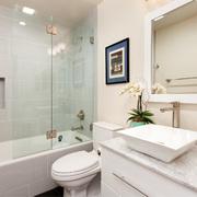 baño con cubierta de marmol
