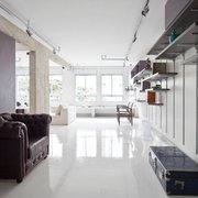 Hall con piso revestimiento resina