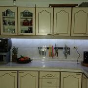 Instalación de luces led en muebles de cocina