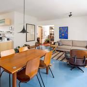 Living con piso de resina