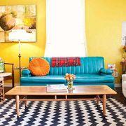 Living pintado en amarillo
