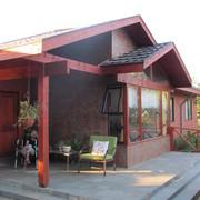 Terraza de acceso a la casa
