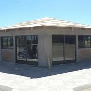 Casa y pisina de don Osbaldo Caceres