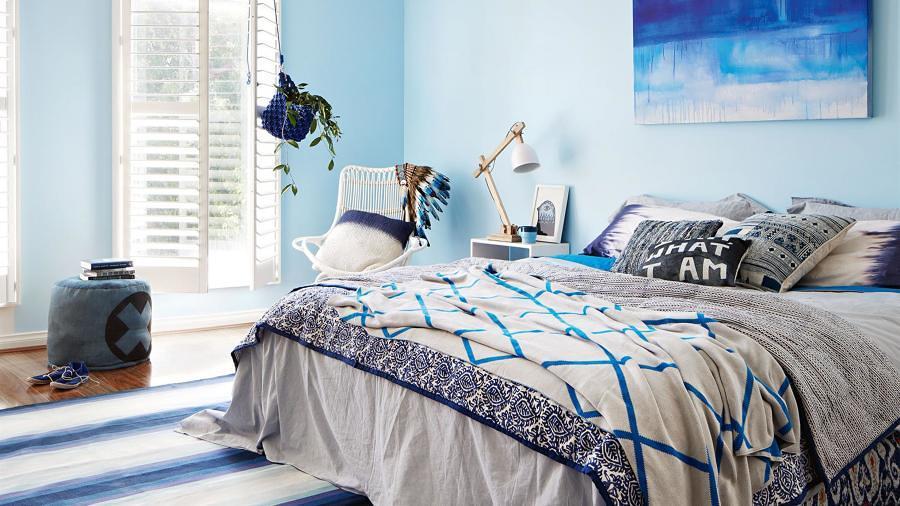 Pieza pintada con tonos azules