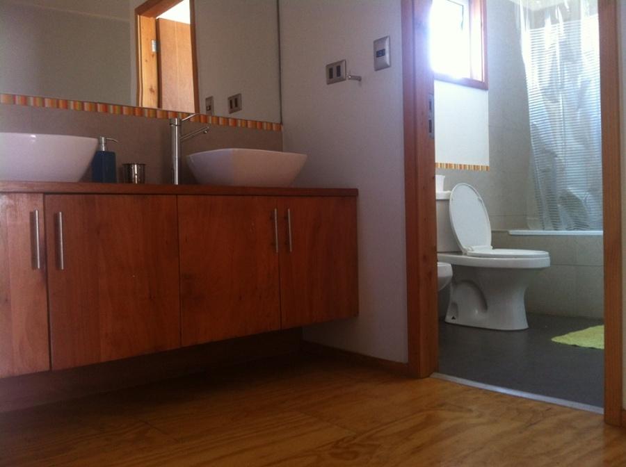 Foto ante sala de ba o de constructora consultora for Ante banos disenos