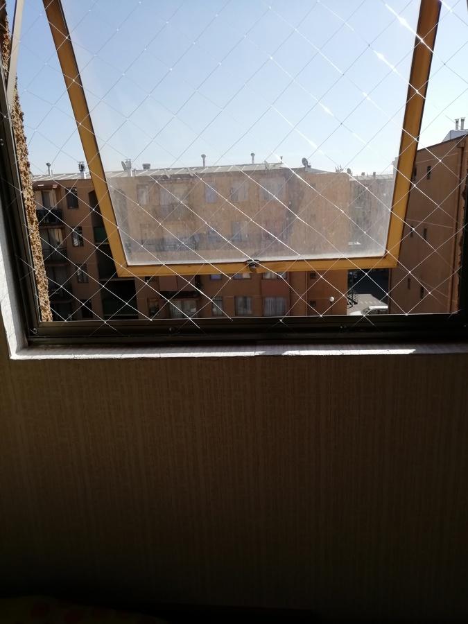 Apertura de ventana abatible