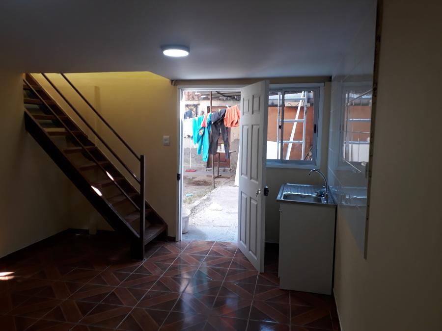 Área para cocina acceso y escalera.