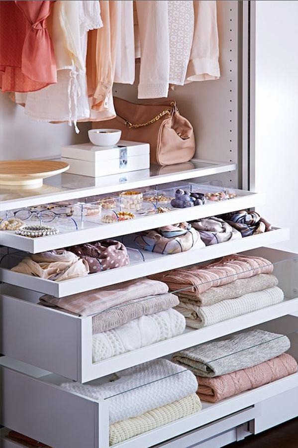 armario con cajones extraíbles