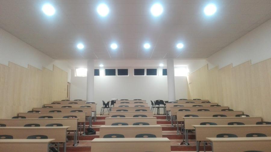 Auditorio Instituto Ingles Ideas Dise O De Interiores