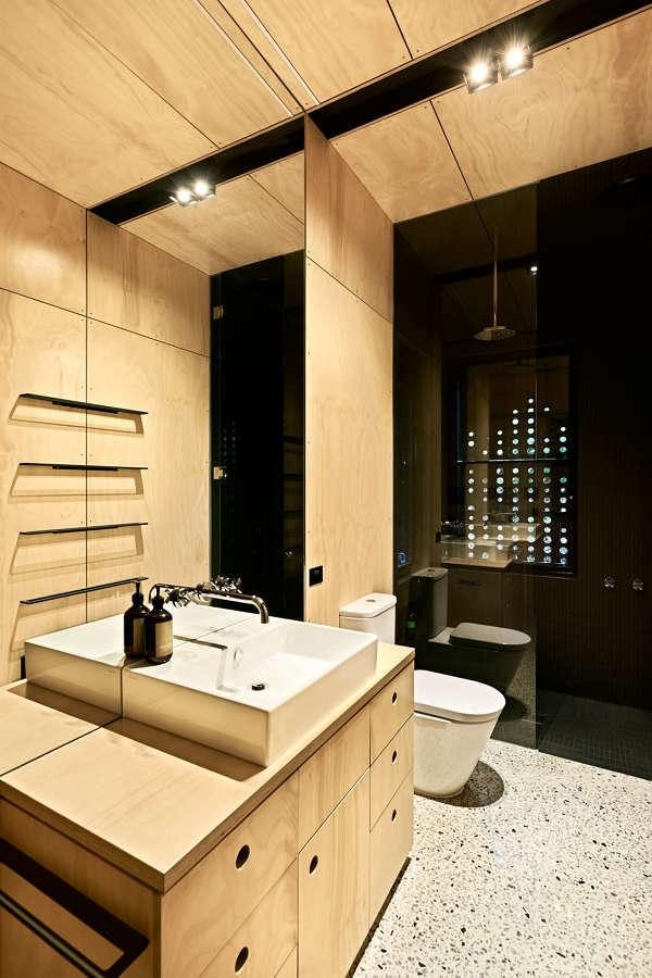 Baño con contrachapados