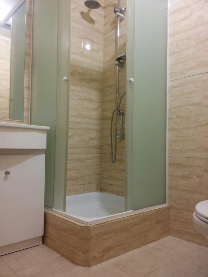 Baño cambio de cerámicas y shower door