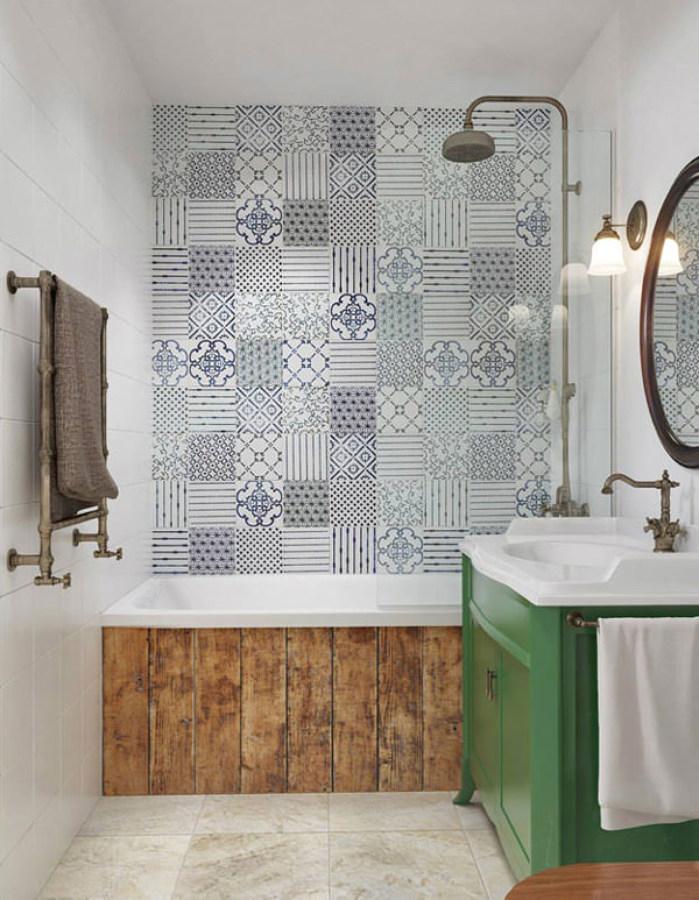 Baño con muro cerámico