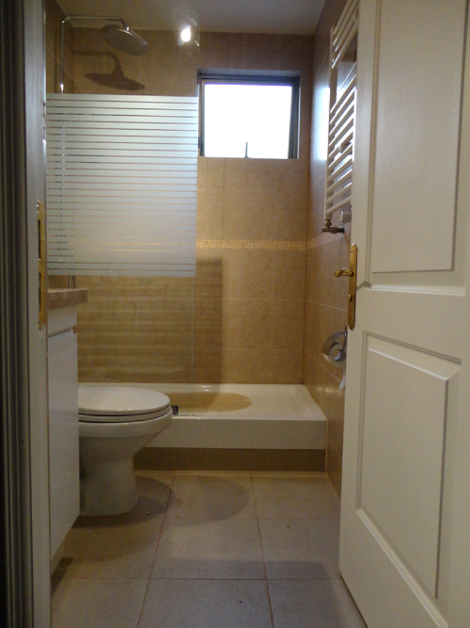 Foto ba o con recept culo ducha y mampara de - Fotos banos con ducha ...
