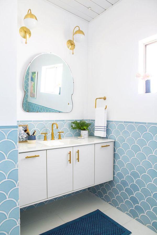 Baño en tonos azules