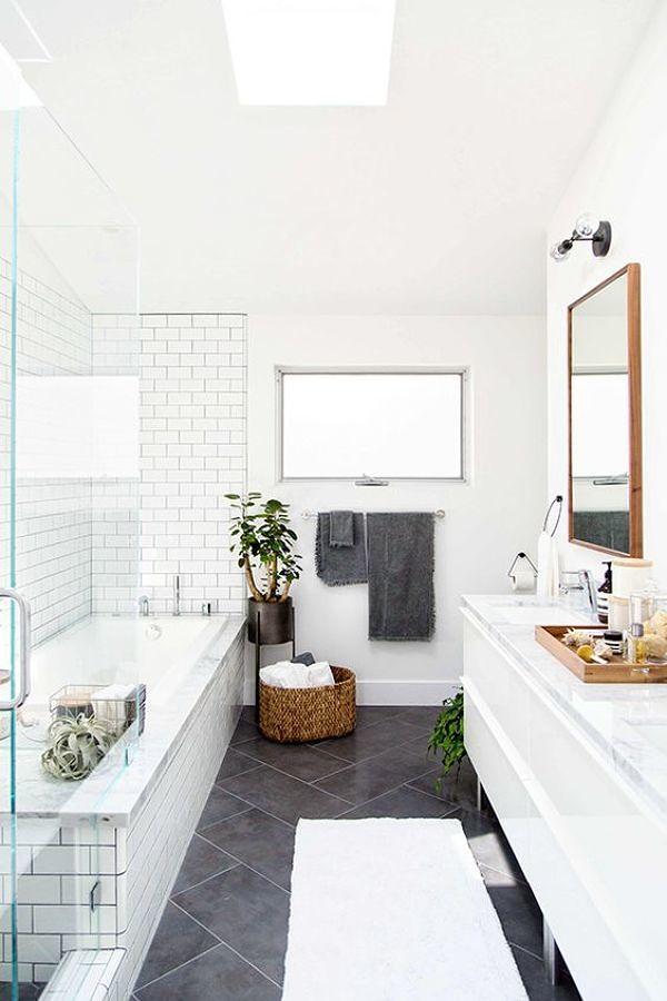 Baño remodelado y ordenado