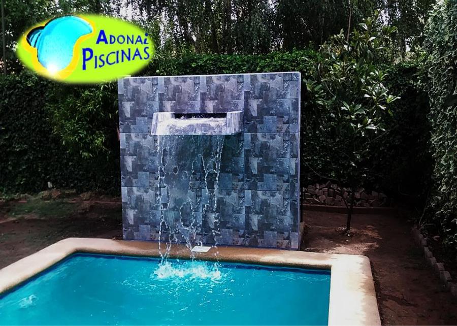 Foto cascada moderna de picina de adonai piscinas 63109 for Piscinas pequenas con cascadas