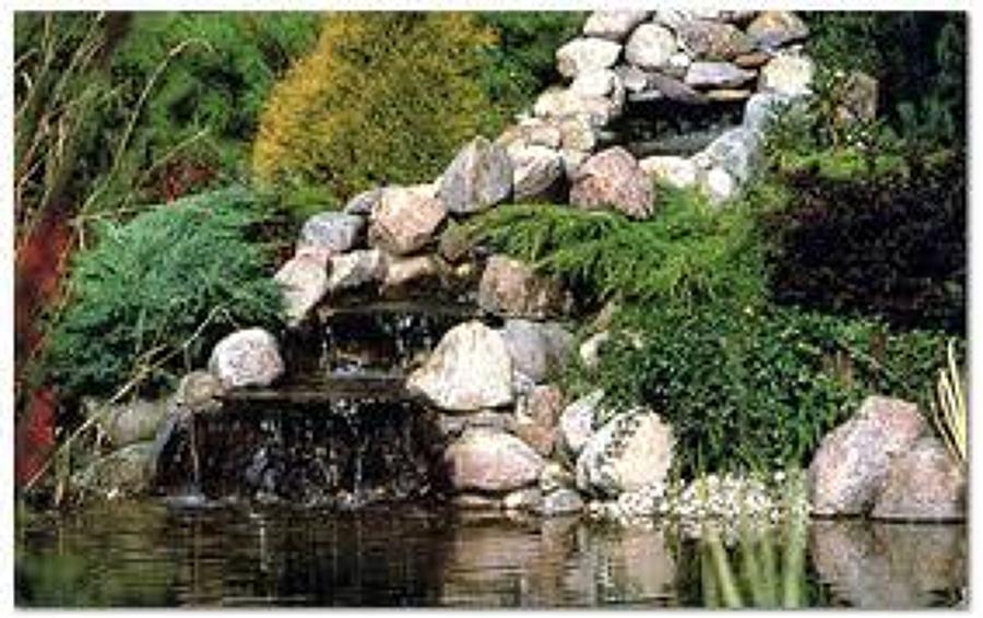 Foto cascada rustica con pileta de pardoconstrucciones for Cascada estanque