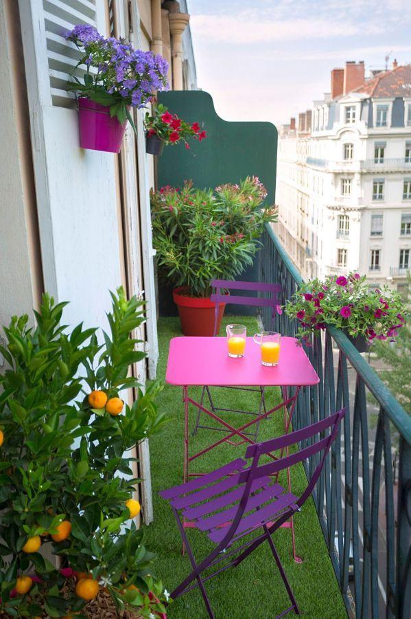 Pasto artificial en balcón