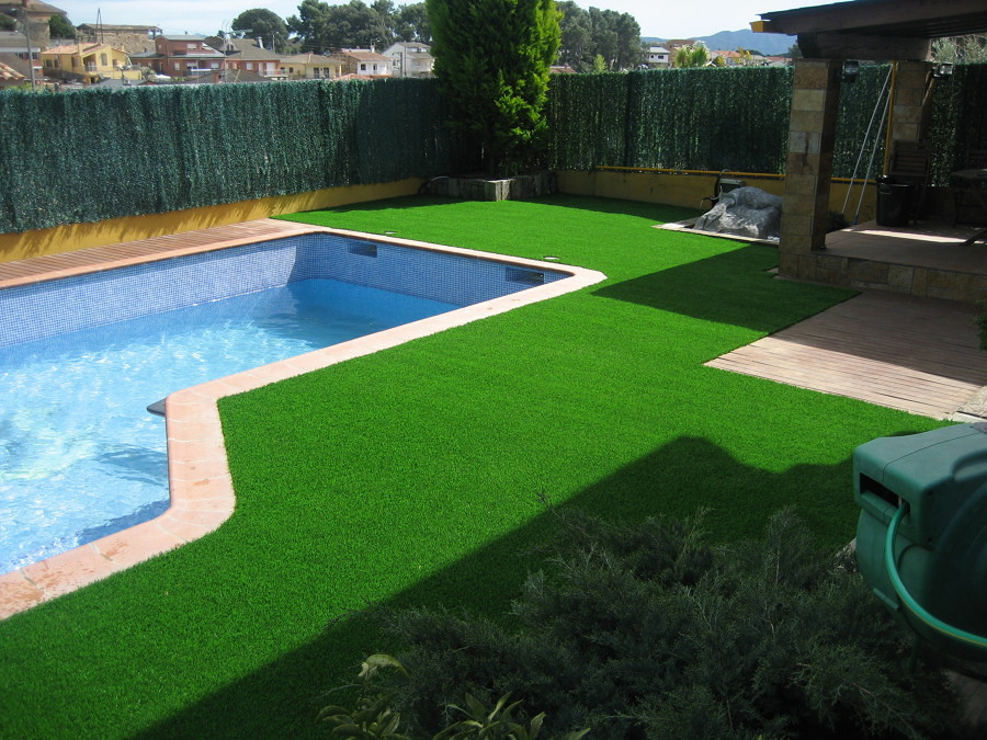 C mo elegir el mejor c sped artificial para tu jard n o - Cesped artificial para jardin ...