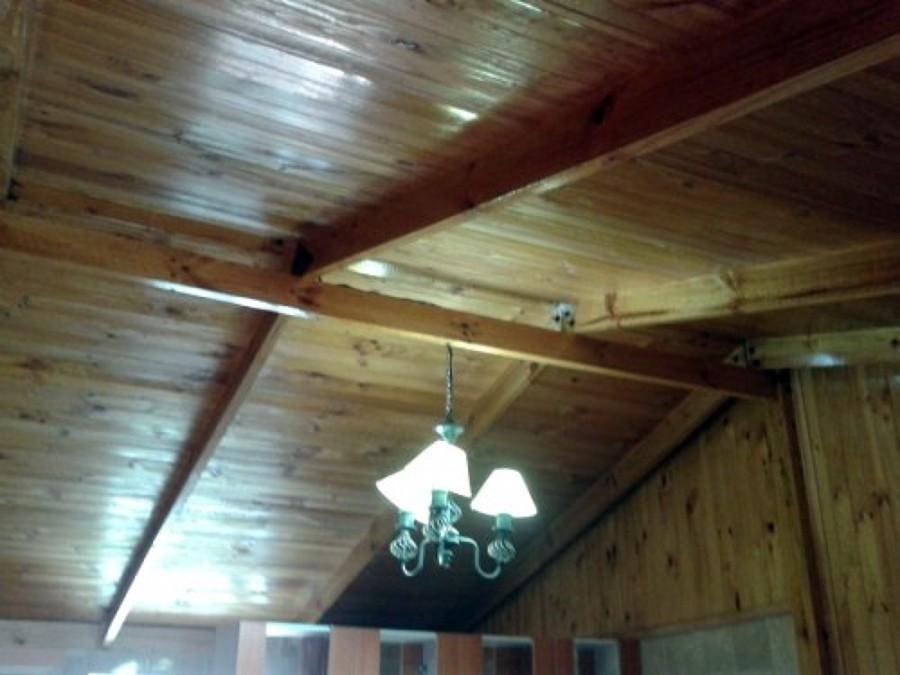Foto cielo con viga a la vista de promax 10568 - Instalacion electrica vista ...