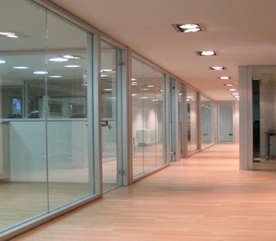 Foto cierres de oficina de altmain aluminios 85380 for Cerramientos oficinas