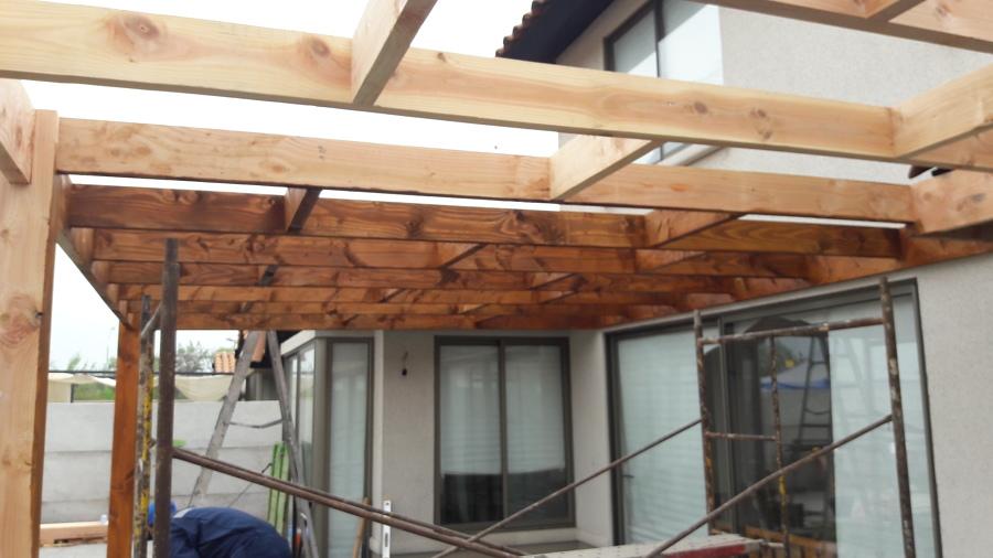 Cobertizo de pino oregon con cubierta de policarbonato for Cobertizo de madera ideas de disenos