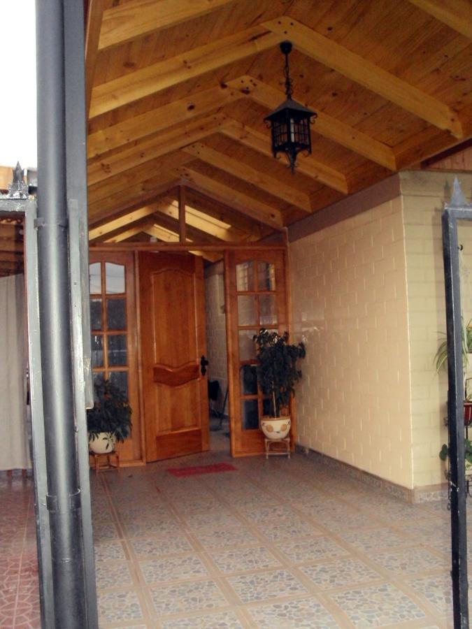 Cobertizo y muro ideas carpinteros for Cobertizo de madera para terraza