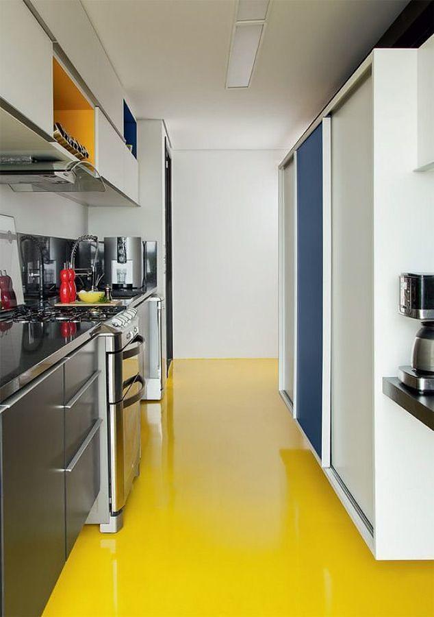 Cocina con piso de resina epoxi