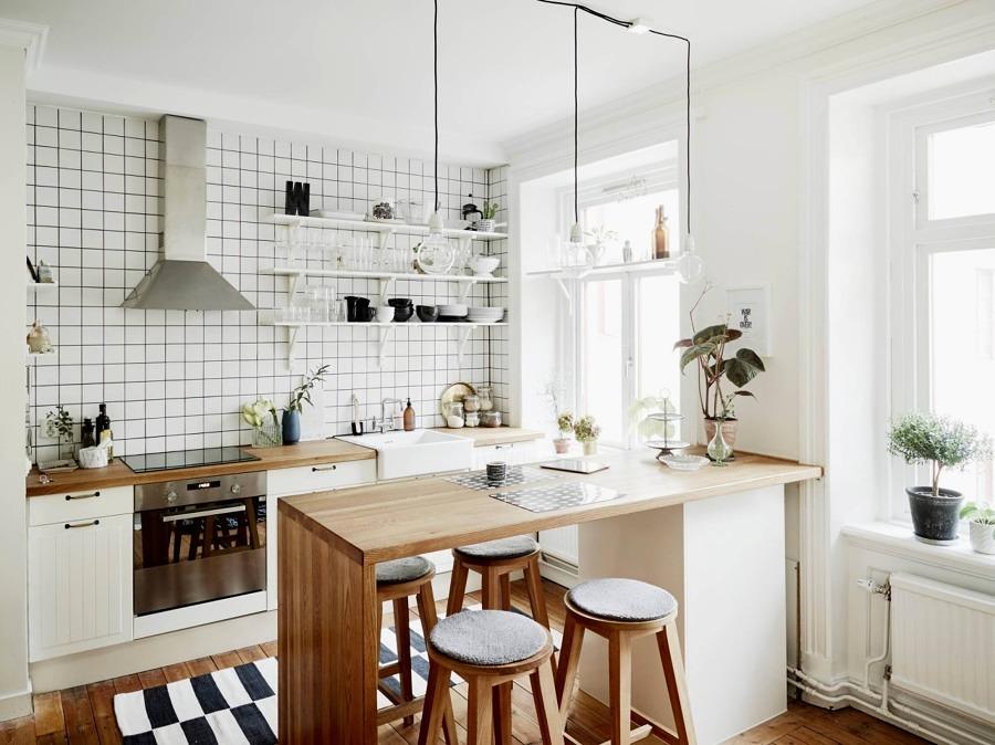 Cocina con baldosas tipo metro
