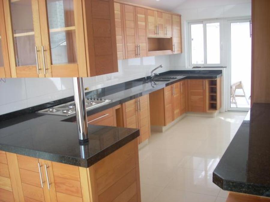 Fabricacion de cubiertas de cocinas y vanitorios en for Cocinas en granito natural