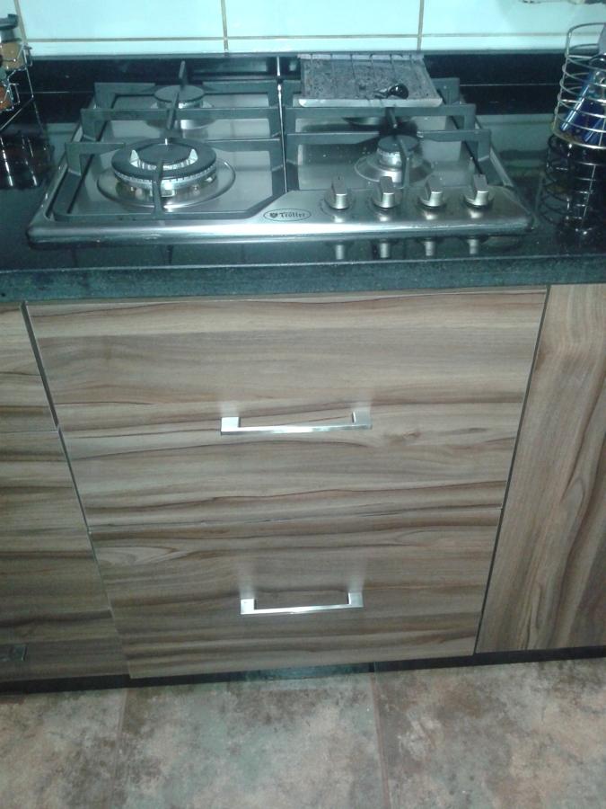 Foto cocina encimera empotrada y conectada a gas de - Medida encimera cocina ...