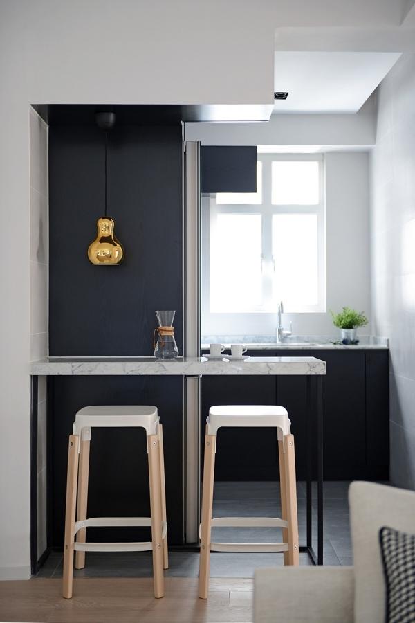 Cocina moderna en negro y blanco