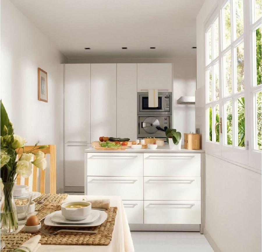 Foto cocina peque a con isla central 187612 habitissimo - Isla para cocinas pequenas ...