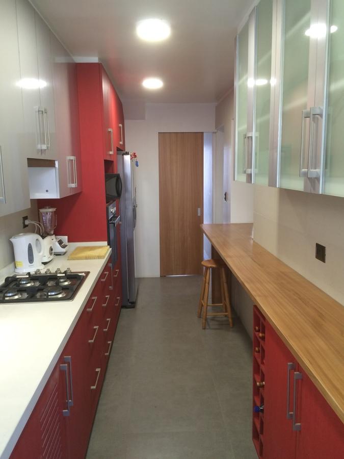 cocina vista hacia acceso